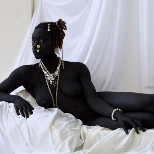 фото женских африканских поп