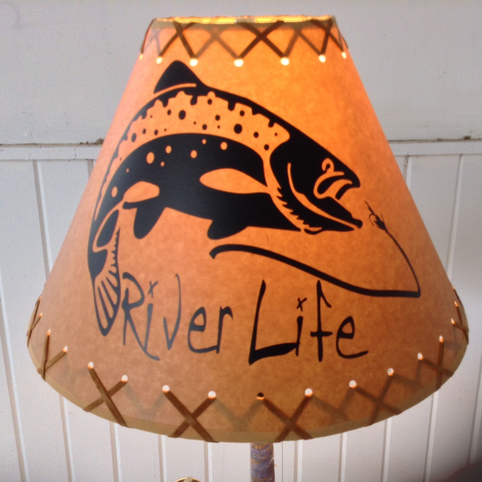 "14"" Diameter River Life Action Trout Shade"