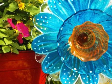 Plastic Plate Flower For Garden by pollysyardart on Etsy - Stylehive & hereu0027s an idea when making plate posies use glass paint to spice up ...