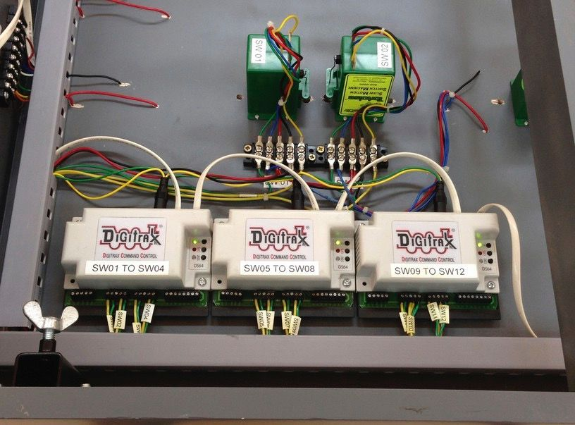 Excellent wiring of Digitrax DS64 stationary decoders using ...