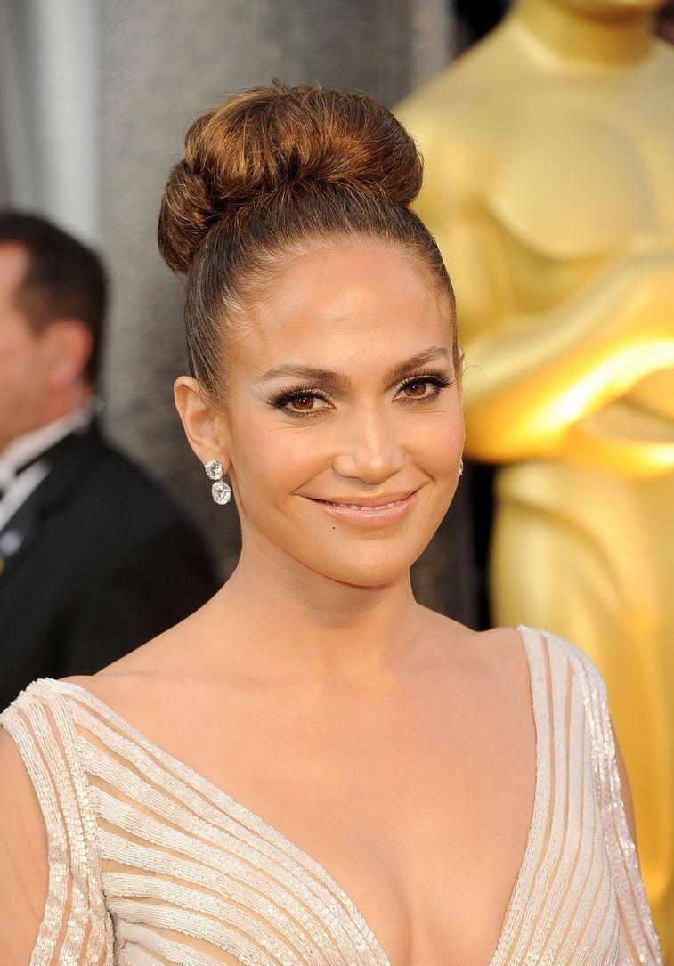 Toutes Aux Chignons Jennifer Lopez Hair Hair Styles Bun Hairstyles