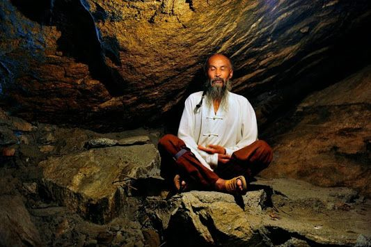 A Taoist meditating in a rocky cave in Mt  Zhongnan  | Road to