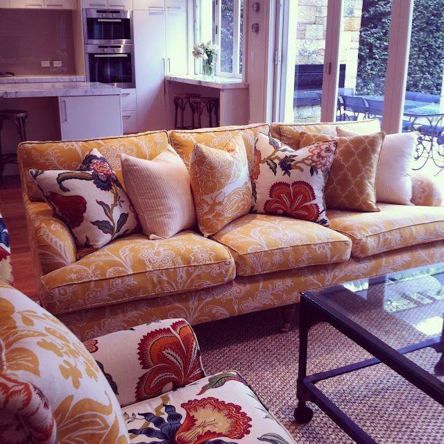 die besten 25 blumen sofa ideen auf pinterest blumen couch landh uschen leben und akzent. Black Bedroom Furniture Sets. Home Design Ideas