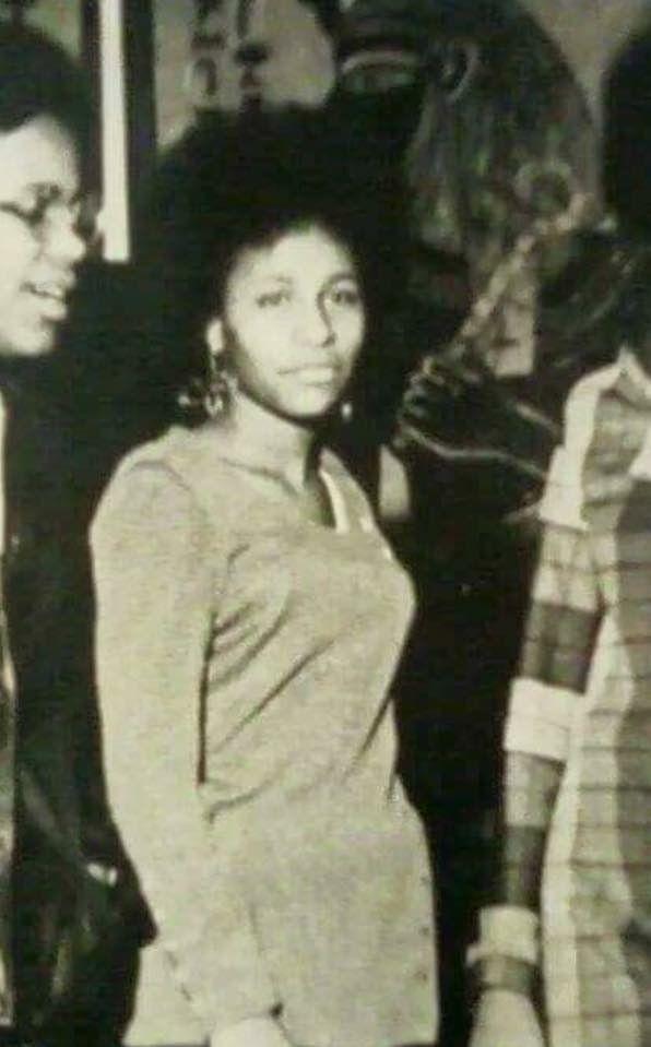 Chaka Khan At 16 Chicago 1969 Real Name Yvette Stevens Chaka Khan Celebrities Khan