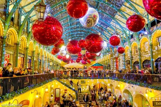 Lovely London Photo Of The Week: Christmas In Covent Garden