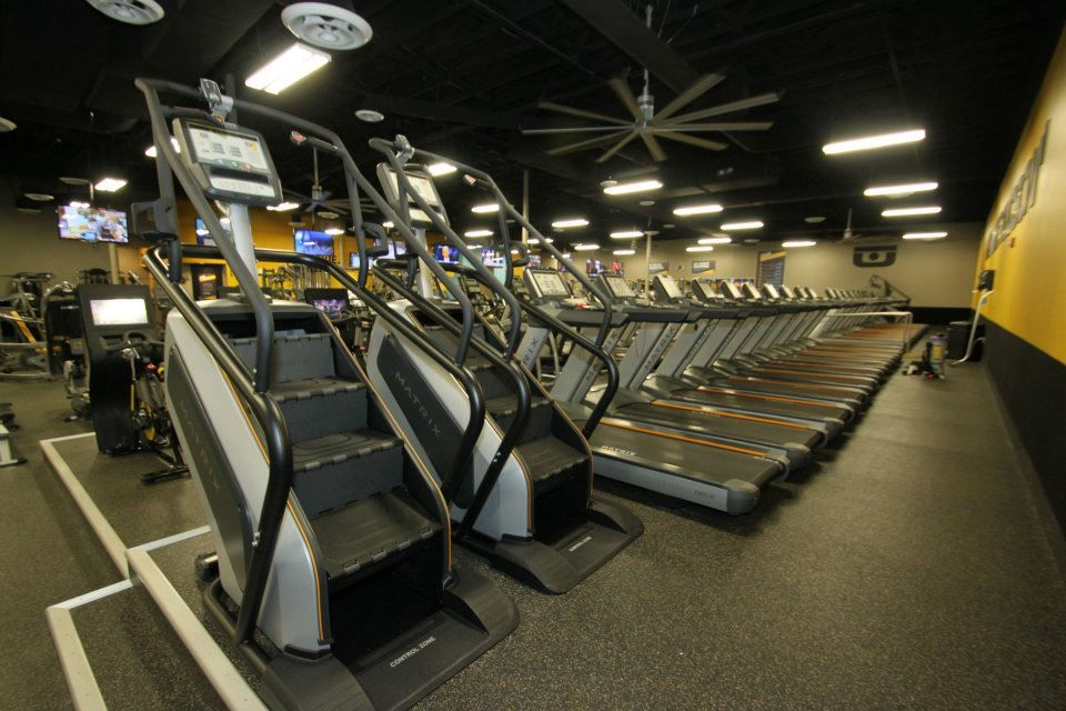 Top Of The Line Stair Masters And Treadmills | CHUZE Fitness