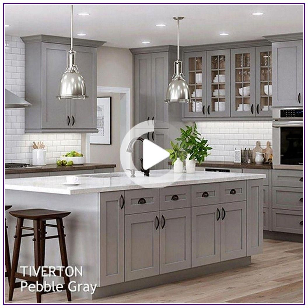 15 Idees De Decoration Murale Impressionnante Pour Chambre 00001 In 2020 Shaker Style Kitchen Cabinets Kitchen Cabinet Styles Kitchen Cabinets Painted Grey