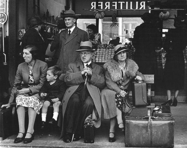 Victoria Bus Station, London, 1939