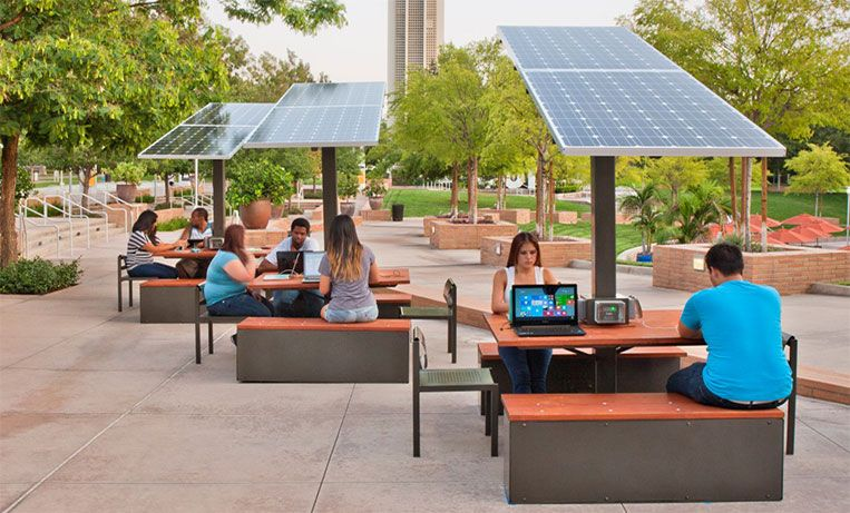 Outdoor solar workstation outdoor space terrassen for Outdoor office ideas