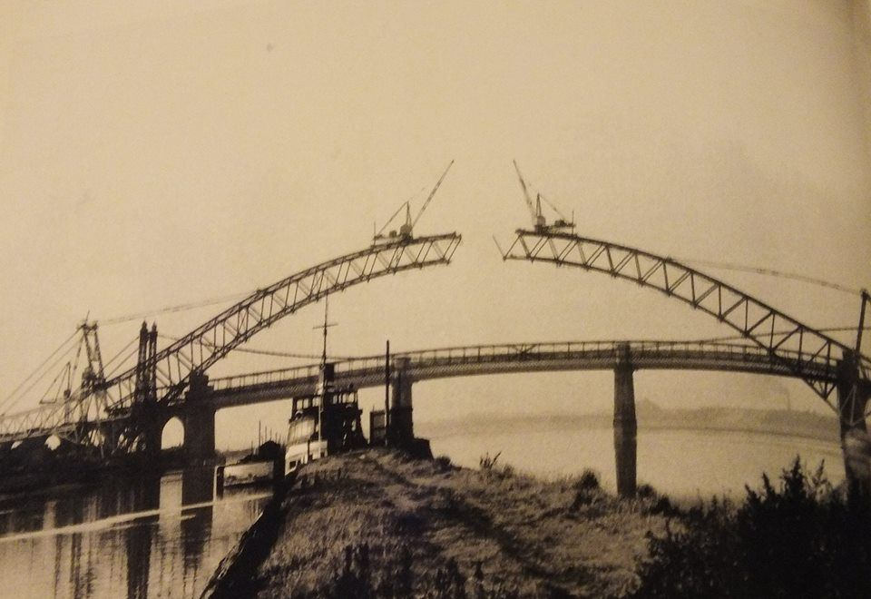 Building runcorn widnes bridge 1960 39 s remember the opening for Home architecture widnes