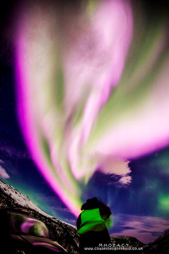 Небо Норвегии стало лиловым: фото северного сияния (с ...