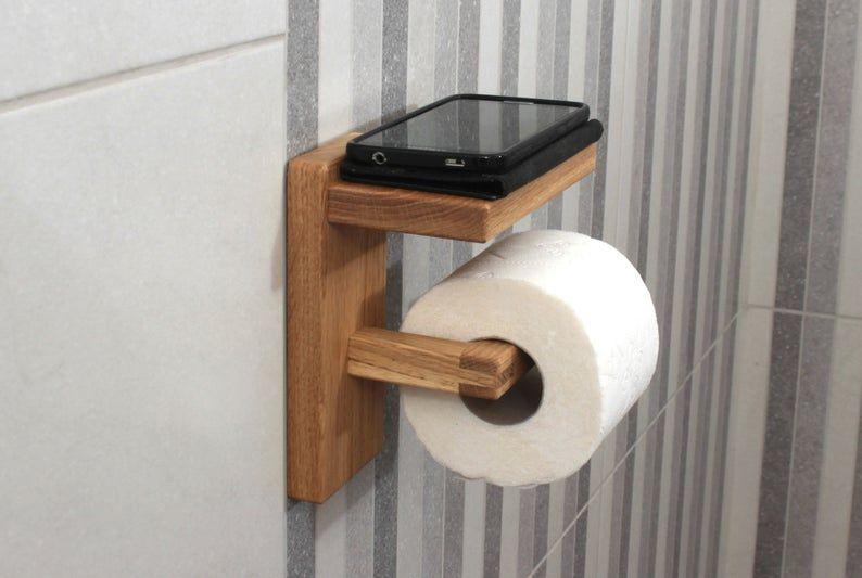 Oak Toilet Paper Holder With Shelf Wood Toilet Roll Holder Wooden Home Decor Nel 2020 Idee Per Decorare La Casa Idee Decorazioni