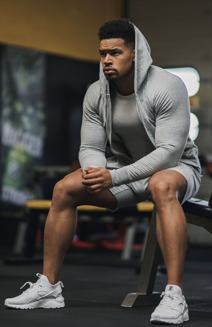 Men's Workout Clothes & Athletic Wear It's no secret that men want performance athletic wear that looks good on and off the field and in and out of the gym. That's why Russell Athletic® set out to make stylish, high performance sportswear for men and athletes of all types.