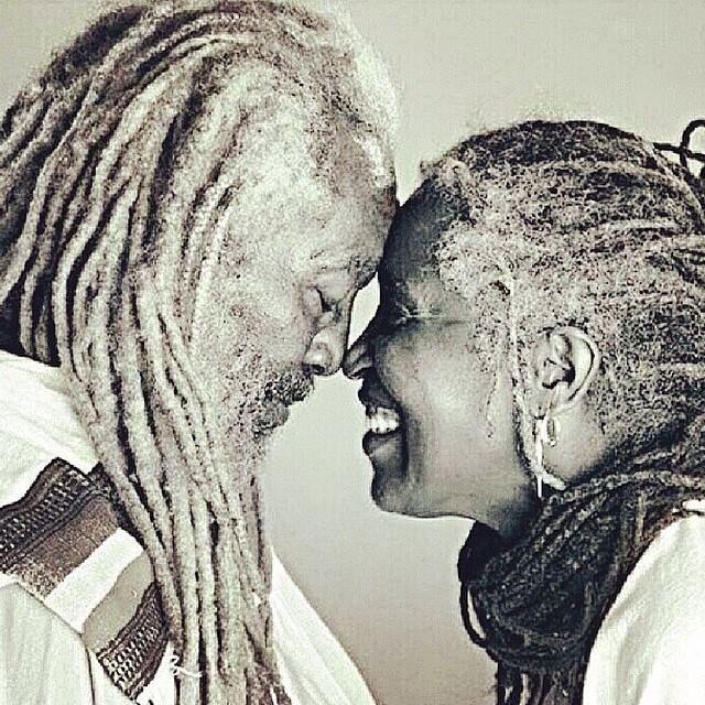 Senior Rasta Love! ... | Belezas negras, Cabelo rastafari, Casais negros