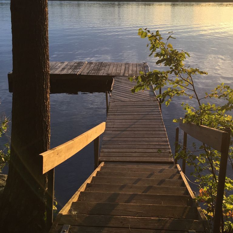 """Lakeside """"Camp"""" in the Woods! HomeAway Bridgton"""