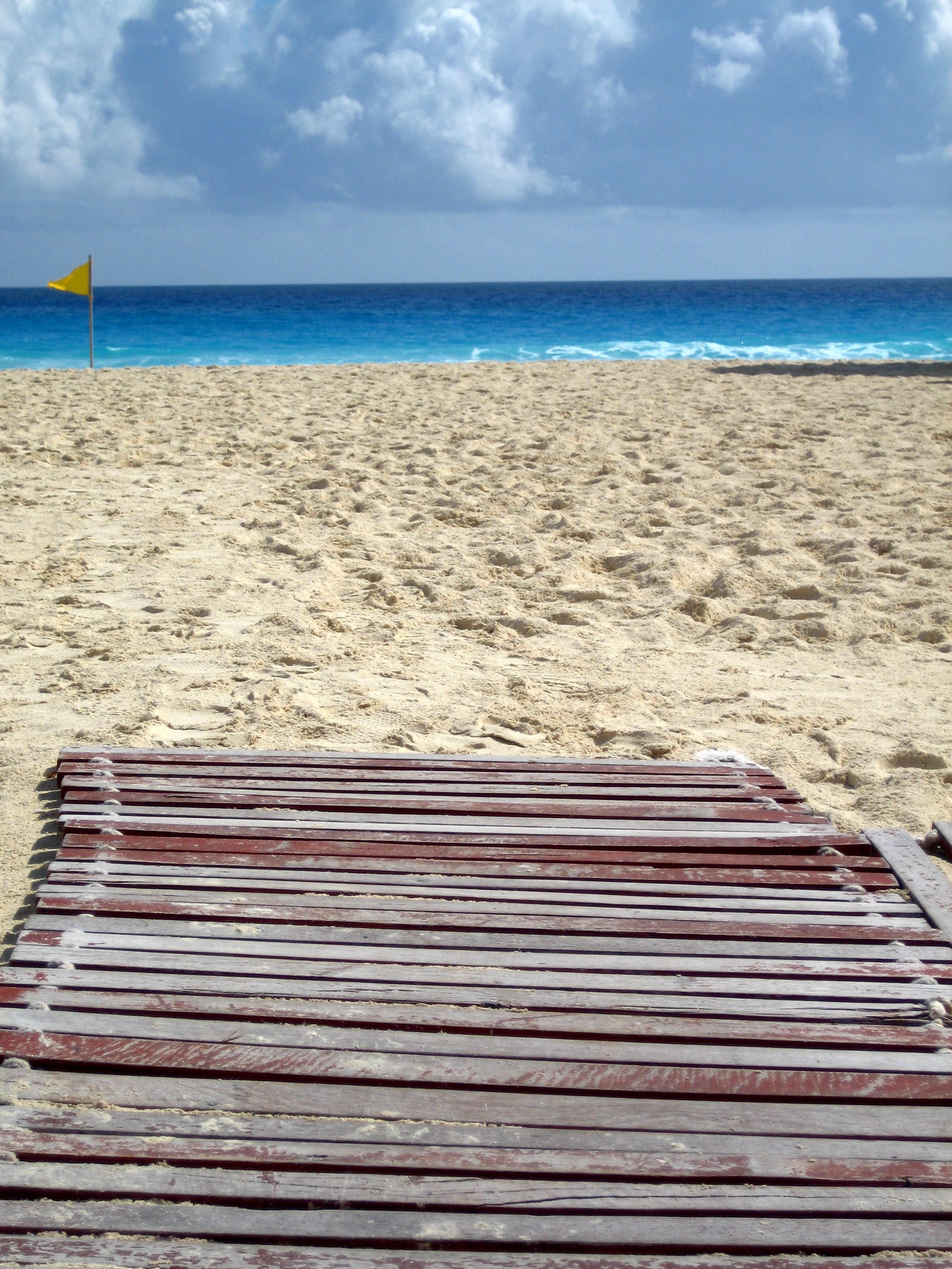 Pathway to Paradise - walking toward the beach at The Ritz-Carlton, Cancun   photo by Allison Lerner
