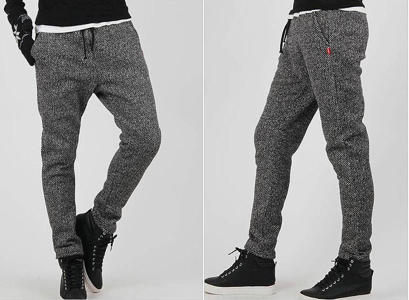 d78e821a Утепленные спортивные штаны с оригинальной расцветкой модели для активного  спорта. цена: 2520 рублей в