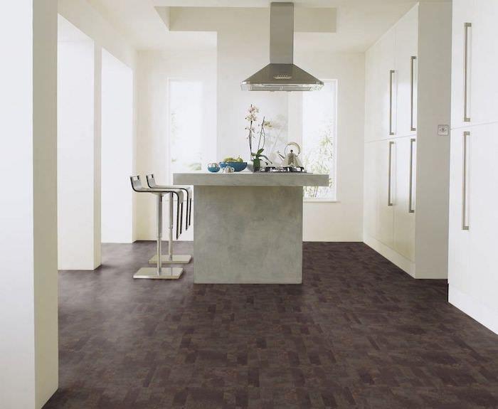 PVC Boden in der Küche eine Kochinsel brauner Bodenbelag weiße - weiss kche mit kochinsel