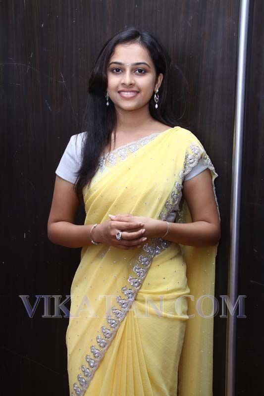 Sri Divya in Varuthapadatha Valibar Sangam Audio Launch ...