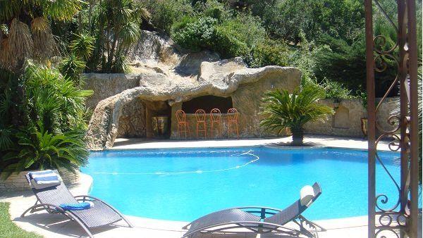 #Sunny #French #Properties A prestigious Mediterranean villa on vast landscaped grounds #France >> http://bit.ly/JEXzLR