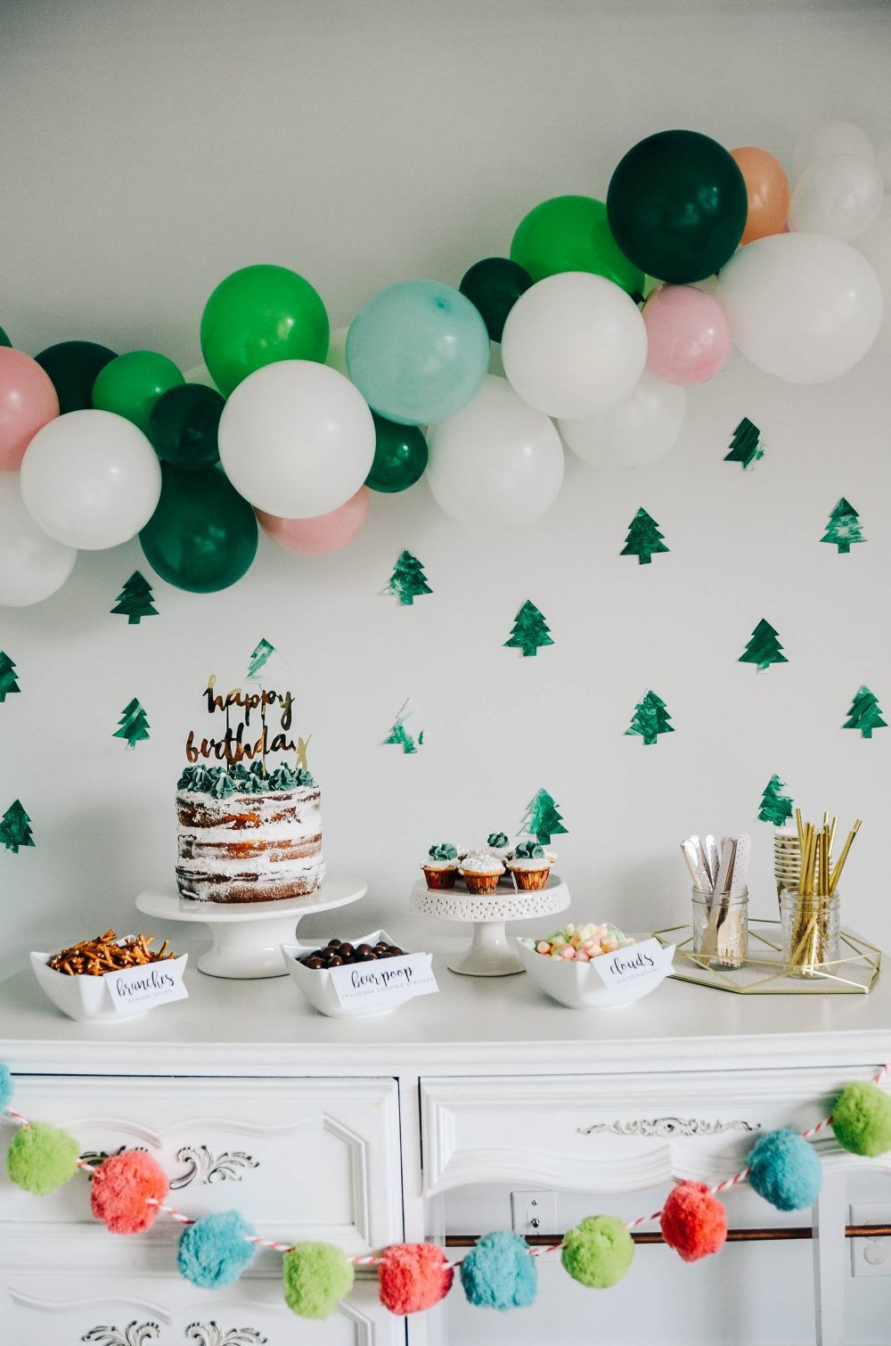 Woodland Four,est (Forest) Themed Birthday Party Decor