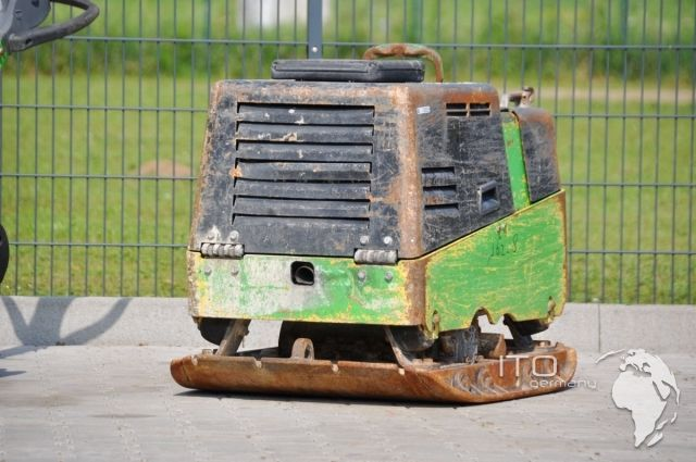 Gebrauchte Rüttelplatte zu verkaufen Bomag BPH 80/65 S. Used Plate Compactor for sale Bomag 80/65S. http://www.ito-germany.de/bomag-ruettelplatte-bomag-80-65-s-gebraucht Images Bomag Baumaschinen Rüttler Heavy Equipment Weber Wacker Neuson Germany Lautertal Odenwald Baugeräte Bau Portal
