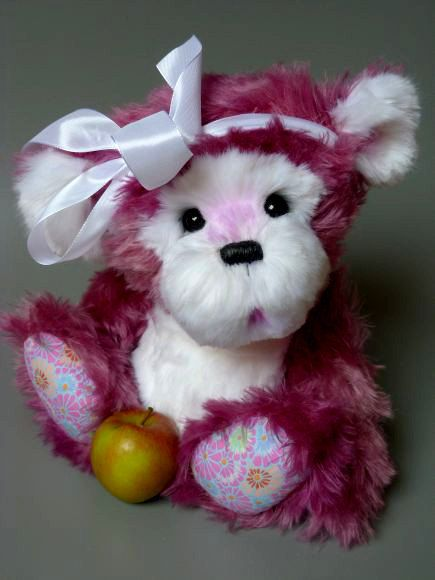 Big Lilly a 175 inches tall OOAK artist bear by Bearsonalities, €220.00