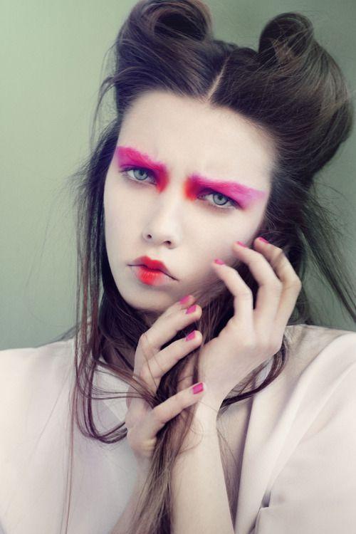 neon pink lipstick and eyeshadow