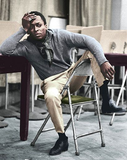 miles davis. this poster reminds me of my amazing cousin adam. he had this on his bedroom wall growing up <3