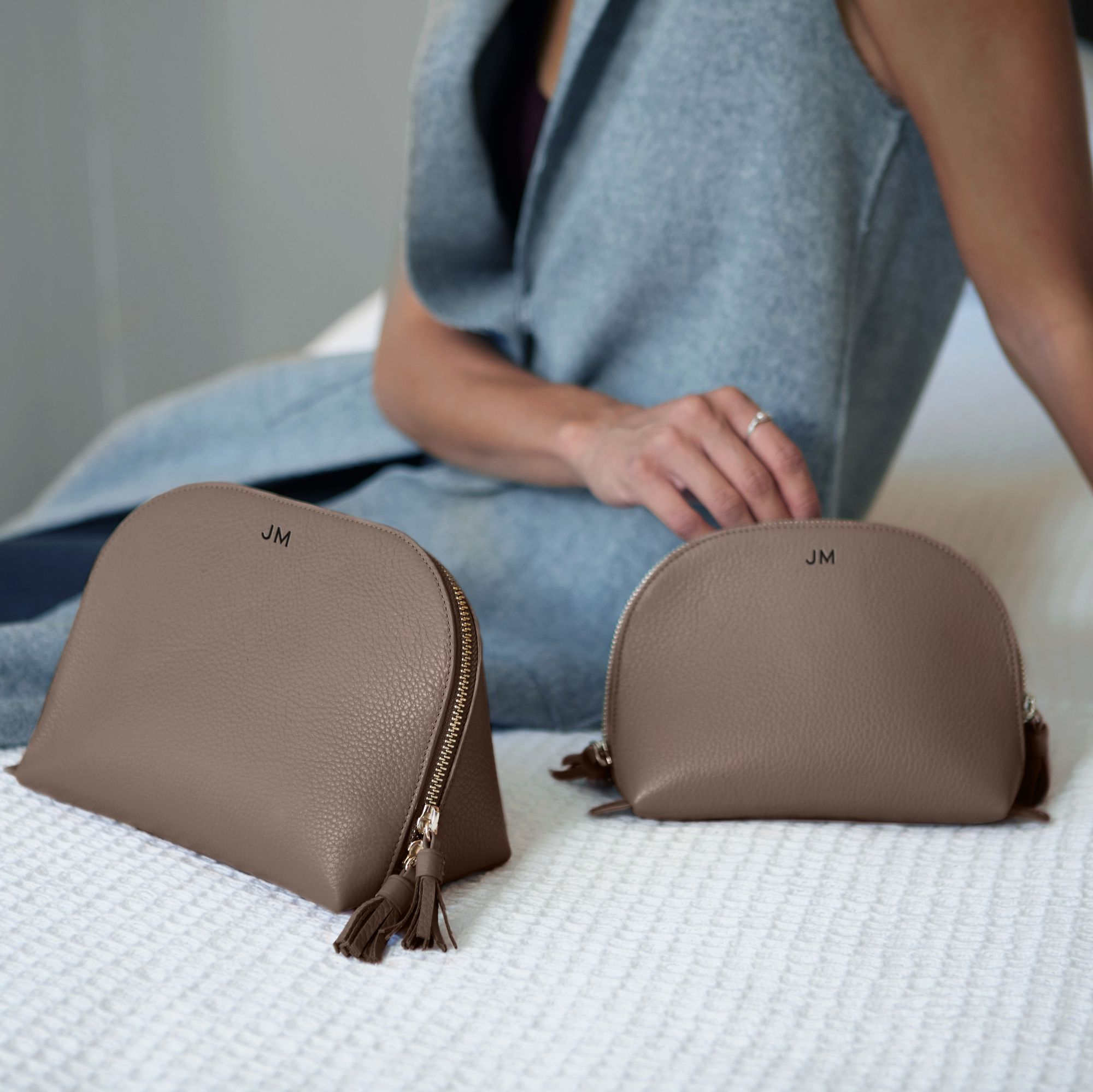 SelfStanding Leather Makeup Bags Perfect for traveling