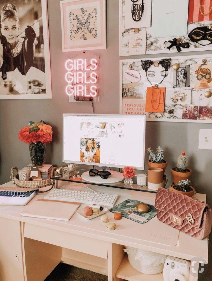 Pin By G R A C I N On Home Sweet Home College Apartment Decor Dorm Room Inspiration Apartment Decor