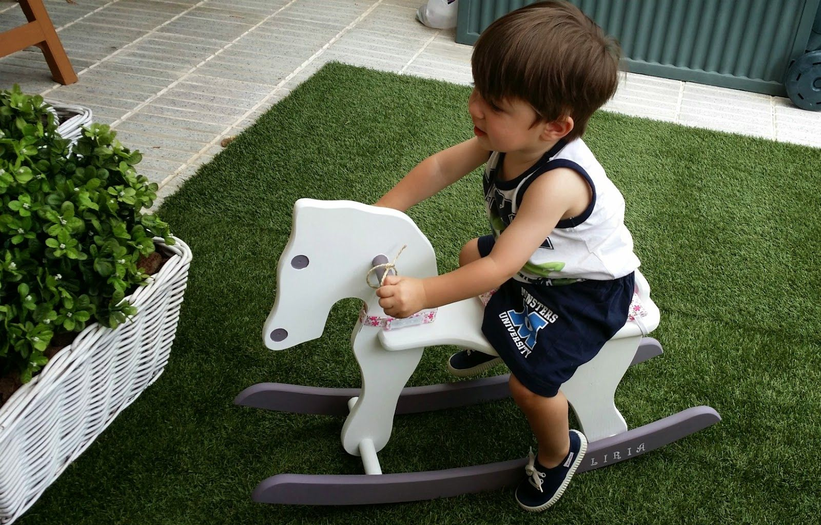 Mi pequeño con un #caballito #mimitoshome personalizado