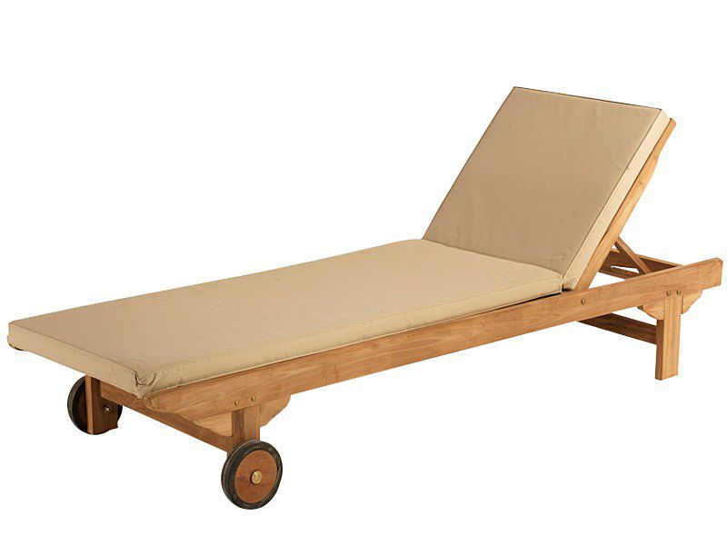 tumbona de madera de teca cojn en color crema wwwactuadecorcom - Tumbonas Madera