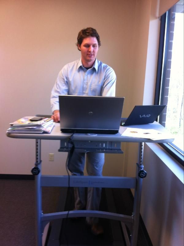 Employee Using His Fitness Treadmill Desk In The Office My New Work Has 5 Amazing Weight Lossquick