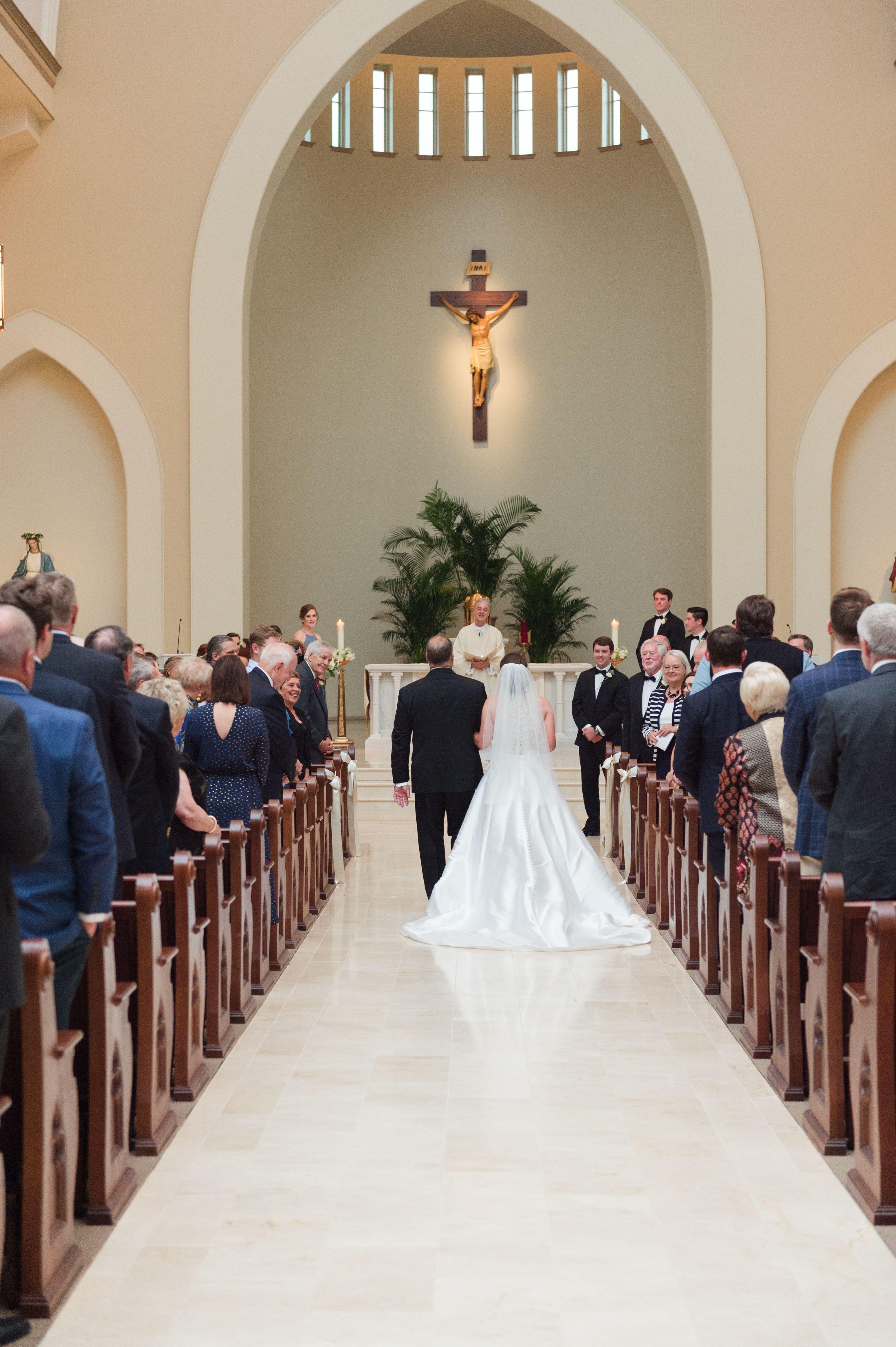 University Sweethearts Wedding Meredith Ryncarz Photography Heirloom Wedding Advice For Bride Spring Wedding Colors