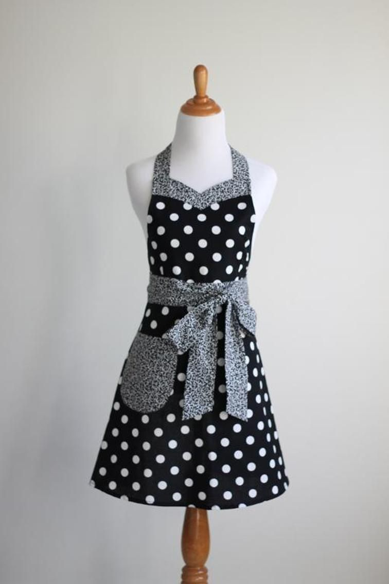Sweet and Sassy Women\'s Apron Pattern | Craft | Pinterest | Malu ...