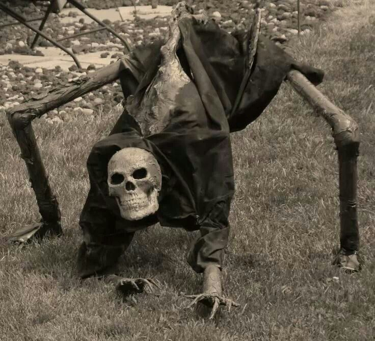 would be easy to recreate Very cool yard decoration! hallowin
