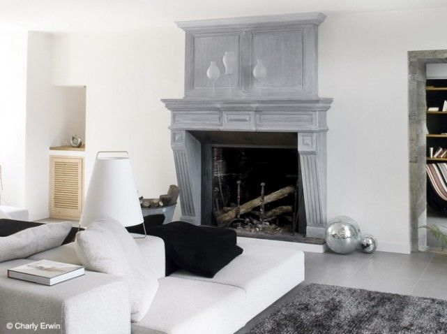 Cheminee grise design fireplaces pinterest foyers for Cheminee shabby chic