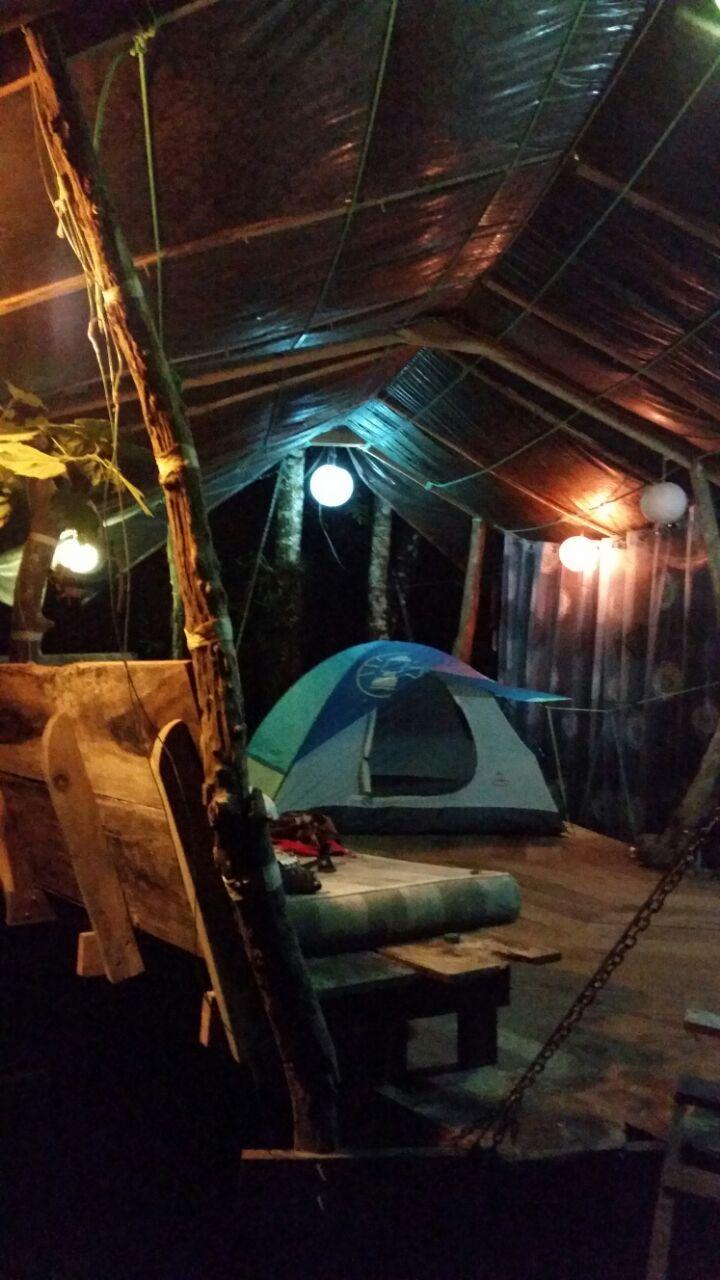 """Acampando en el proyecto de la casa del arbol-  camping in my project """"tree house"""""""