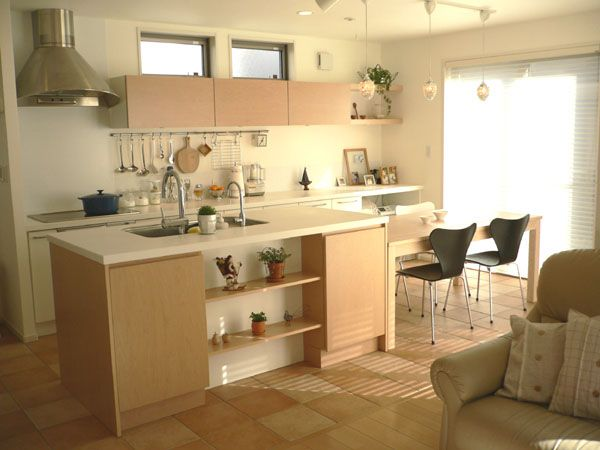 インテリア感覚で小物選びやディスプレイを楽しめるキッチン Ma House