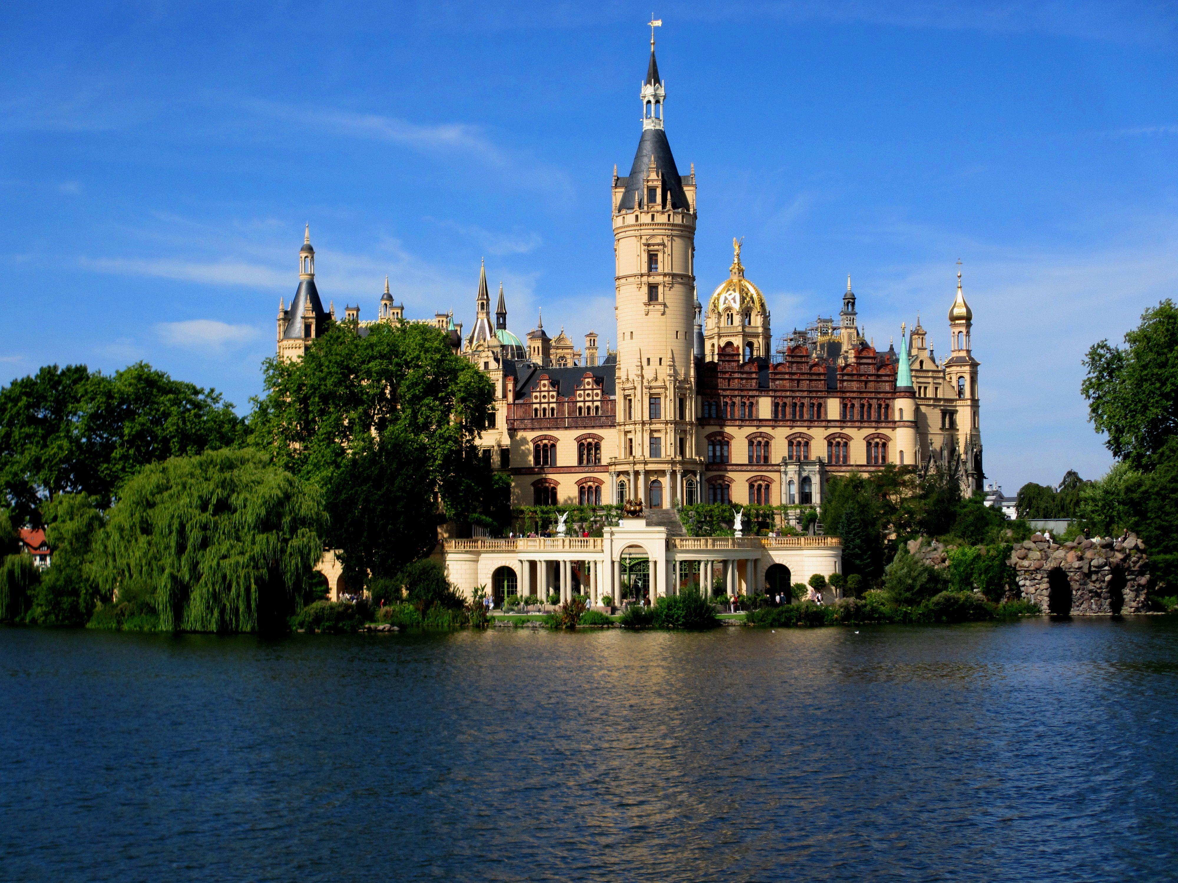 Schwerin Castle Www Megandax Com Germany Castles Schwerin Castle