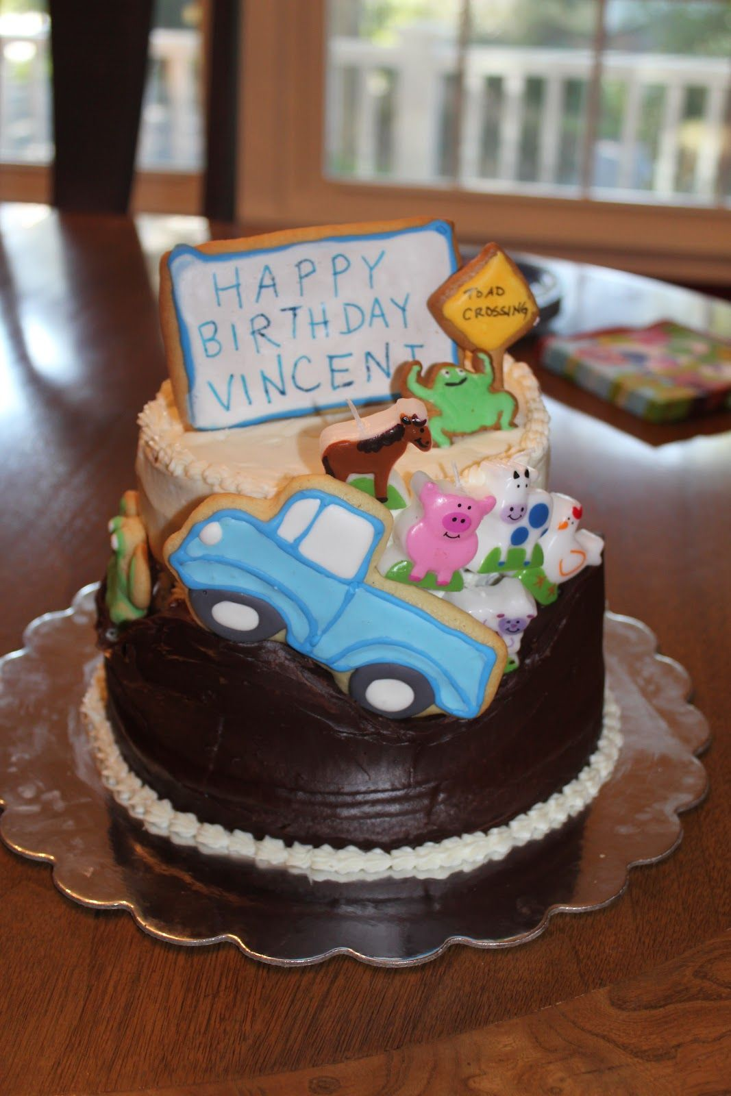 Little Blue Truck party cake I like how the characters are made