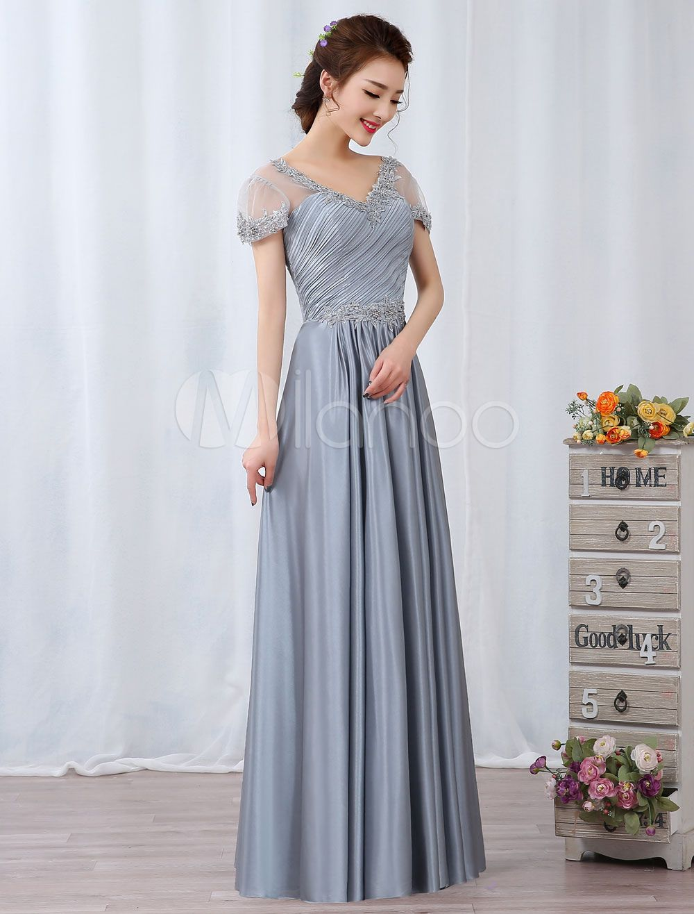 Long wedding guest dresses  Silver Evening Dresses Maxi Lace Applique Beaded Short Sleeve