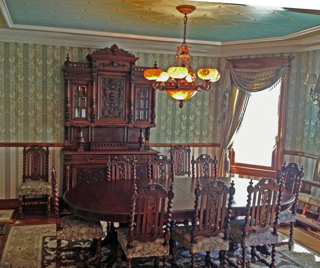 Victorian dining room in our client 39 s victorian Victorian home furniture