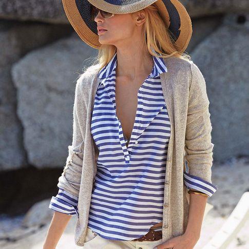 Bluse von SOPHIE, frisch blau-weiß gestreift, mit schmalem ...