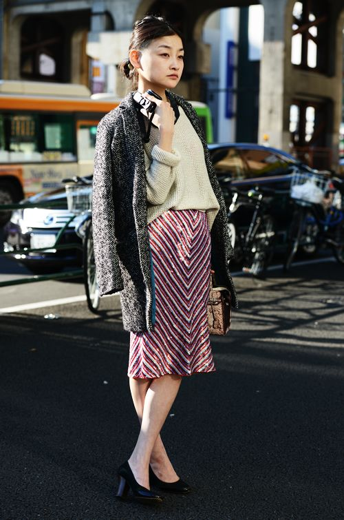 Sequins + Chunky knit makes for the ultimate casual daytime look. Love!