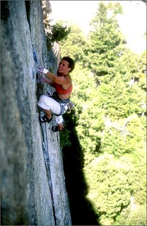 Sheyna Button gets started on Wheat Thin crack on Cookie Cliff in Yosemite National Park.