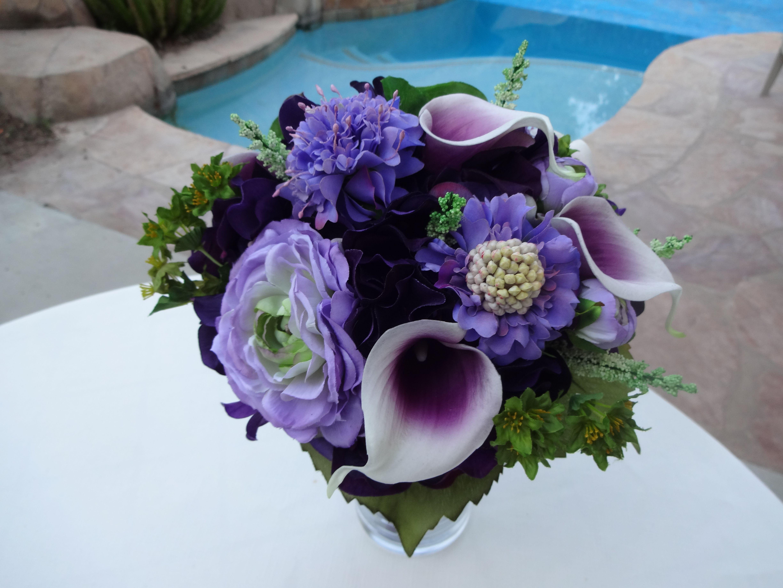 Bridal bouquet in shades of purple Purple calla lilies
