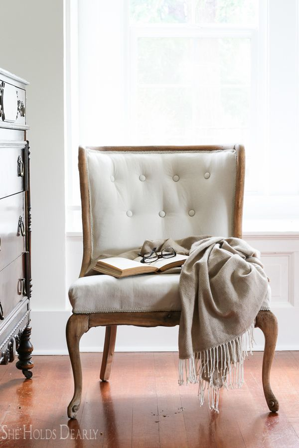 How to Reupholster an Antique Chair- Start to Finish! Including tufting! - Reupholstering An Antique Chair Farmhouse DIY Pinterest