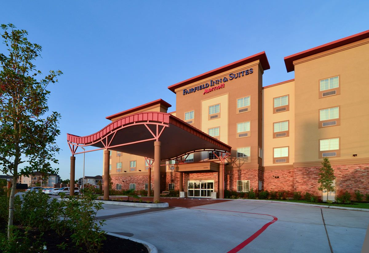 Deal With Various Types Of Hotels In The Woodlands Tx Market Street